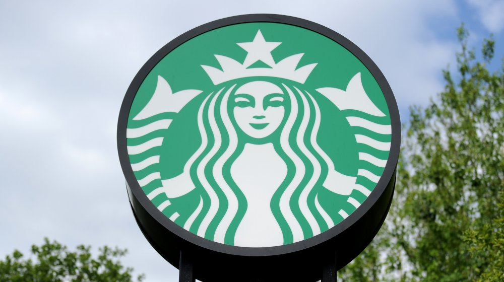 Thousands Tip Starbucks Worker Via GoFundMe