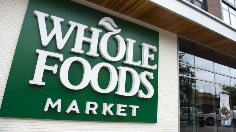 12 best and 12 worst foods to buy at Whole Foods