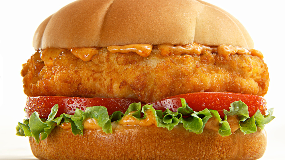 Chicken sandwich with lettuce and tomato