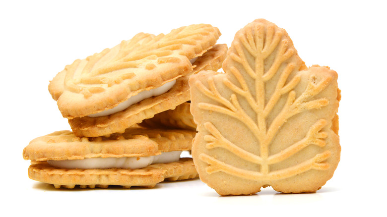 Stack of Maple creme cookies