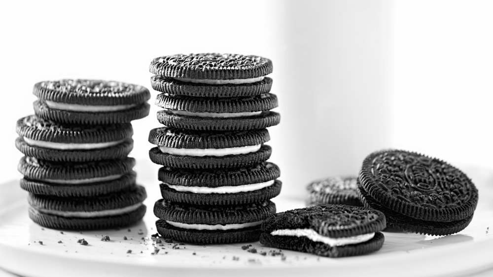stack of oreo sandwich cookies