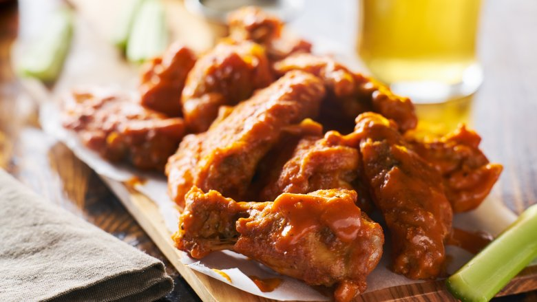 Chain Restaurant Chicken Wings Ranked Worst To First