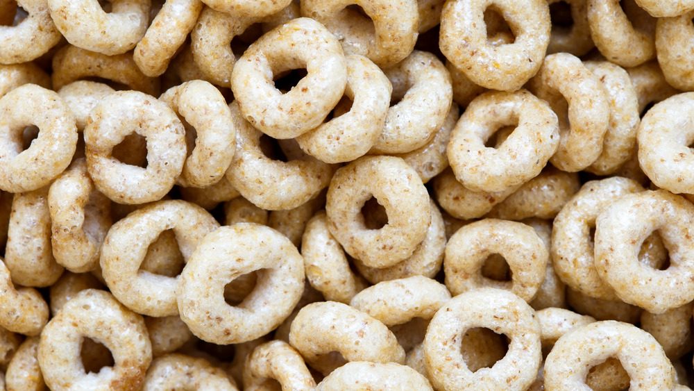 Cheerios cereal in a pile
