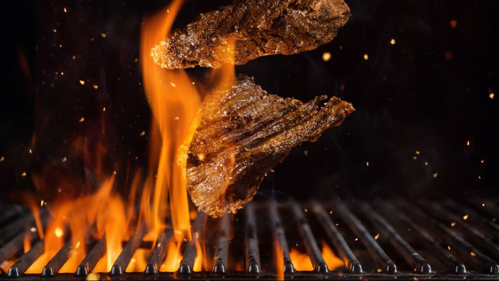Chef Breaks Down The Worst Way To Cook A Steak