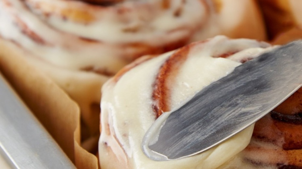 Cinnabon cream cheese frosting