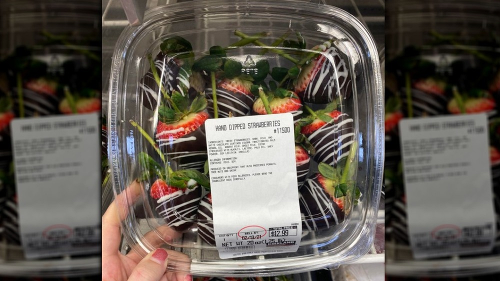 Costco chocolate-covered strawberries