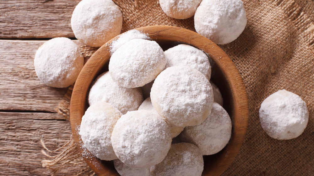 Don't Make This Easy Mistake With Mexican Wedding Cookies