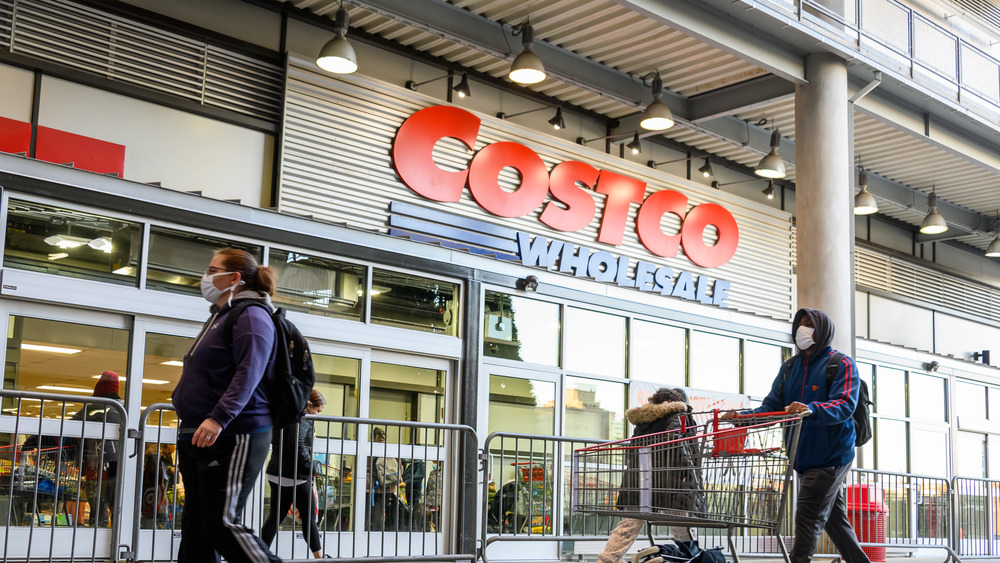 Everything you need to know about Costco's 2020 holiday hours