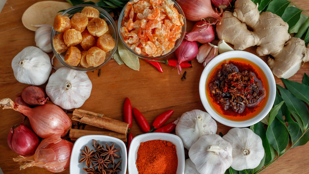 Ingredients for a Chinese meal