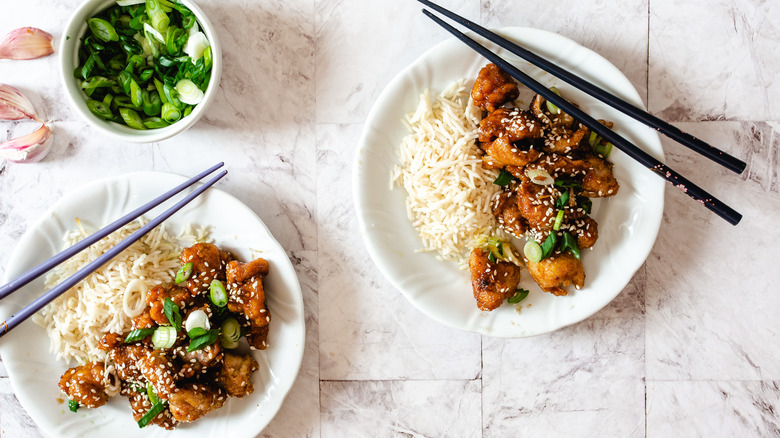 plates of general tso chicken