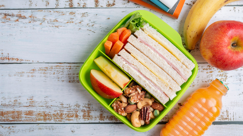 lunchbox sandwiches fruit lunch