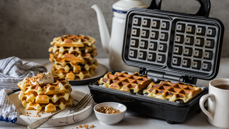 Waffles with iron