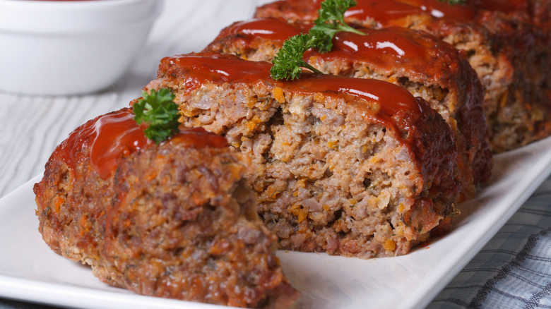 meatloaf with ketchup glaze and parsley