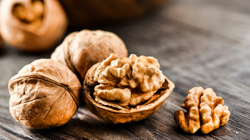 Here's why you should start eating more walnuts