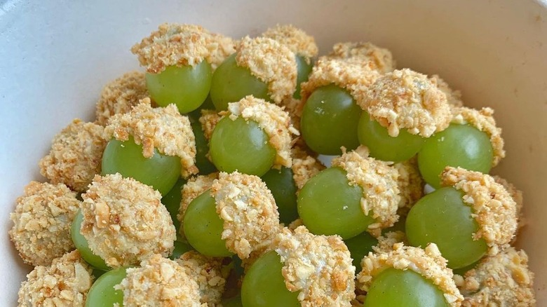 Taffy grapes in a bowl