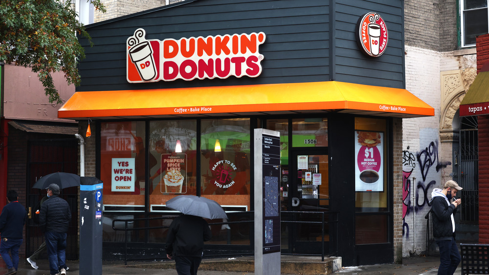 Is Dunkin' open on Christmas day 2020?