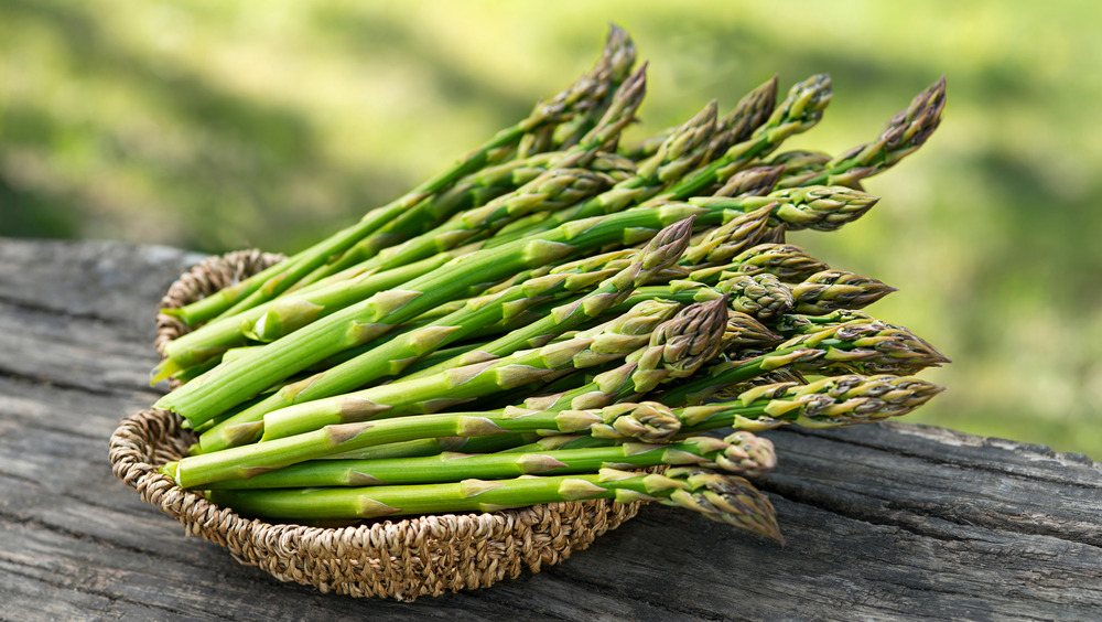 Asparagus spears in a wicker basket