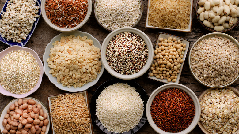 different types of grains in bowls