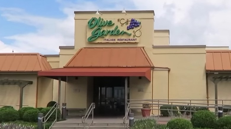 secrets that olive garden doesnt want you to know - Olive Garden Indianapolis