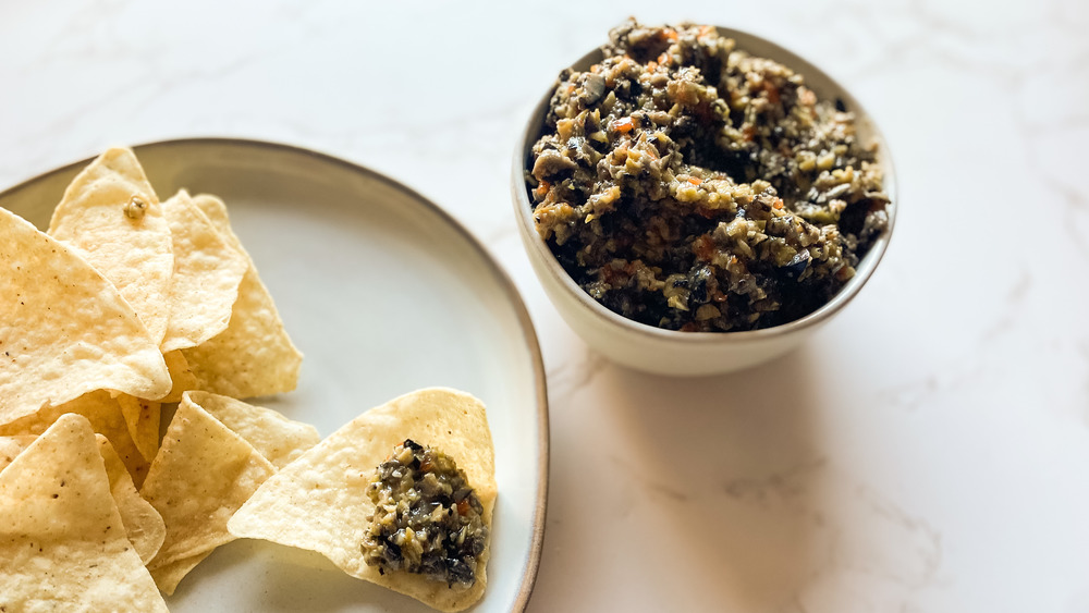 olive tapenade with chips