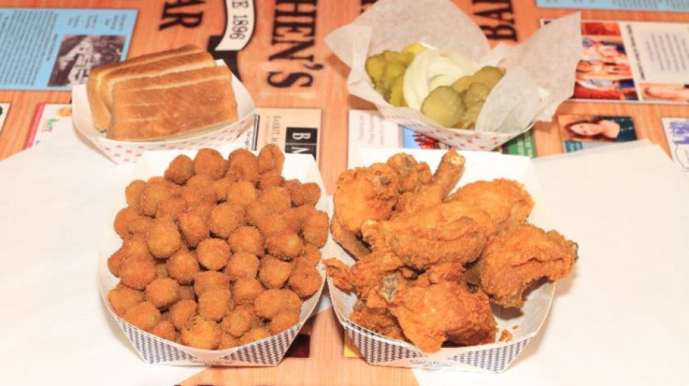 Oklahoma: Eischen's Bar's fried chicken
