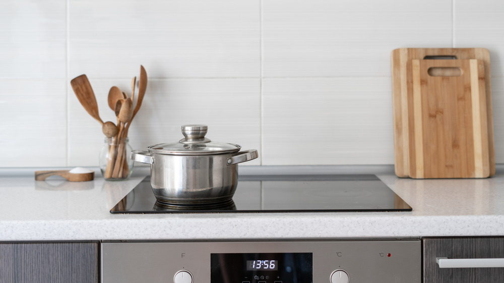 Glass stovetop with pot