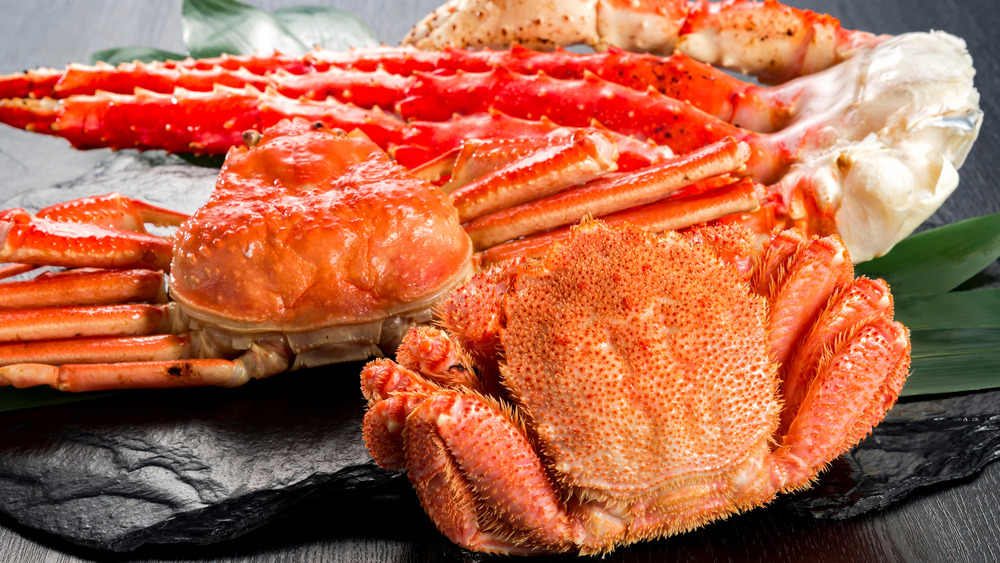 Cooked crab on tray