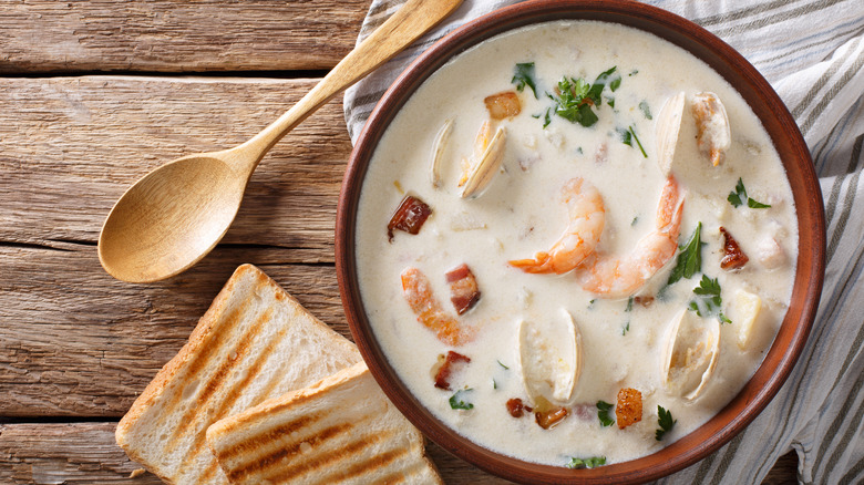 New England creamy clam chowder in bowl