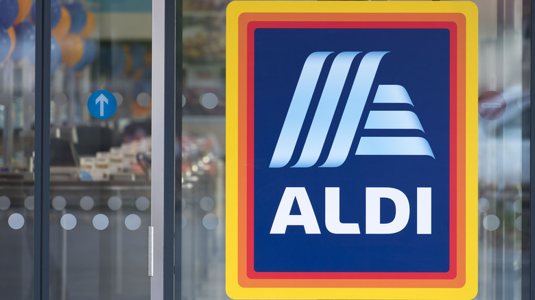 An Aldi sign to indicate the article is about Aldi