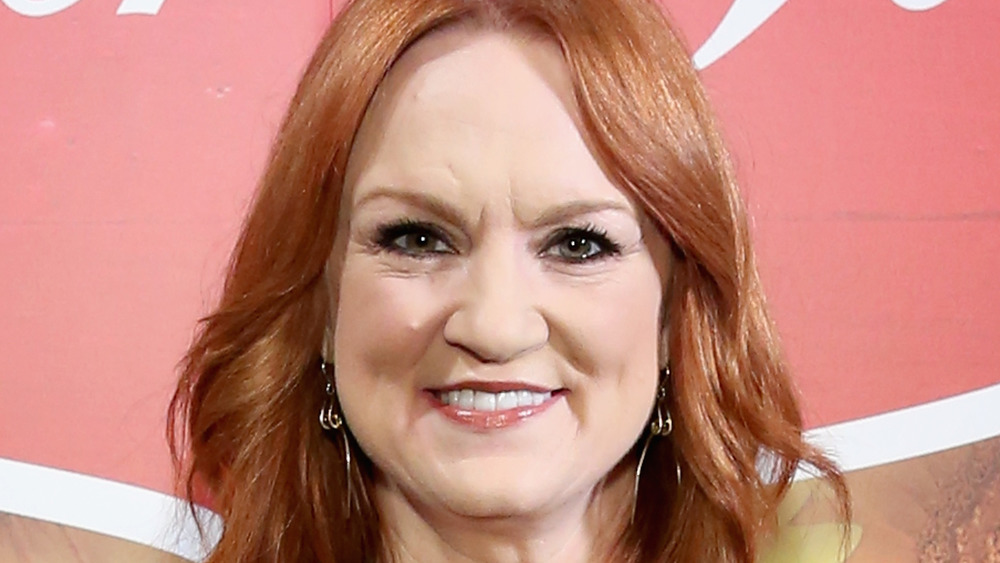 The Pioneer Woman, Ree Drummond, posing at an event