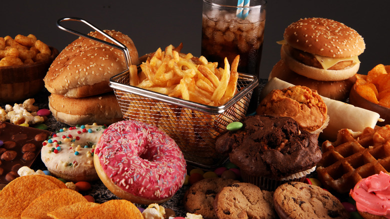 Foods representing refined carbs
