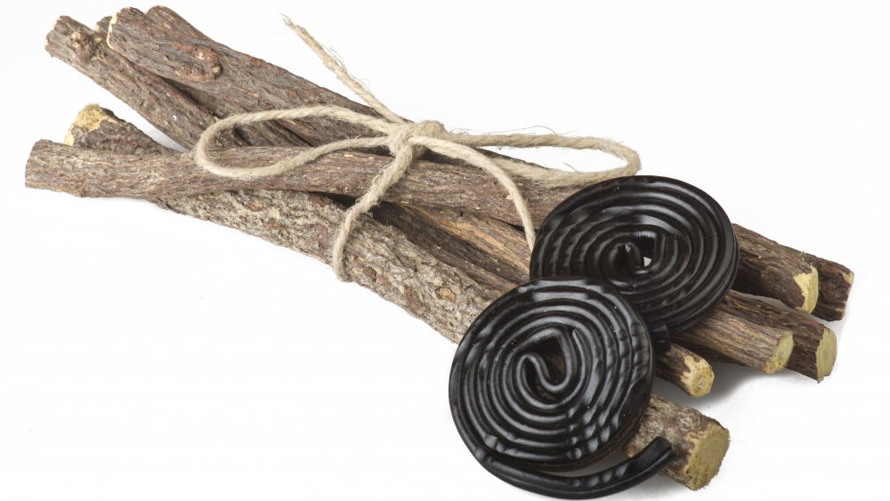 licorice root and black licorice candy