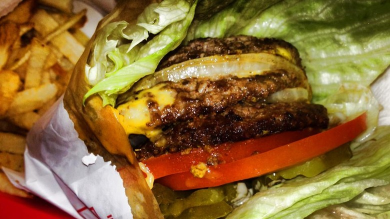 In-N-Out burger toppings