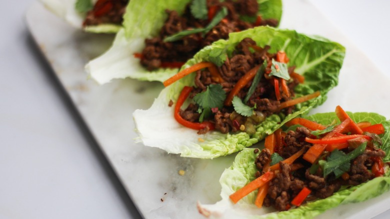 lettuce wraps plated