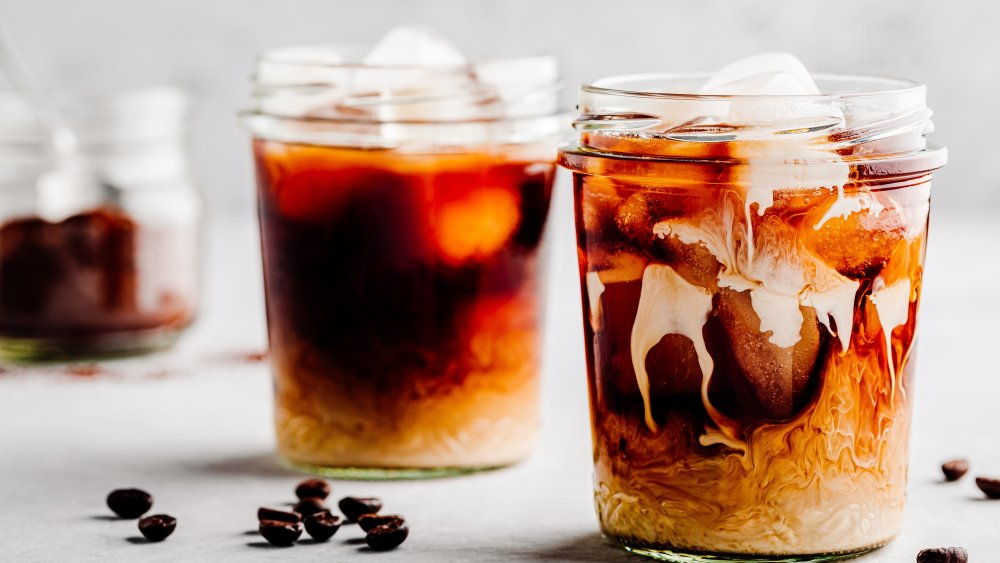 Iced coffee, cold brew