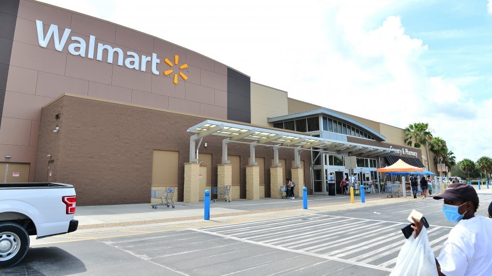 Walmart Is Extending Its Store Hours Here S Why
