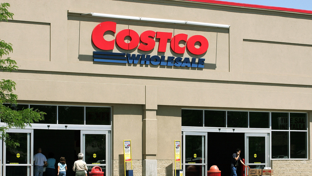costco shoppers at entrance