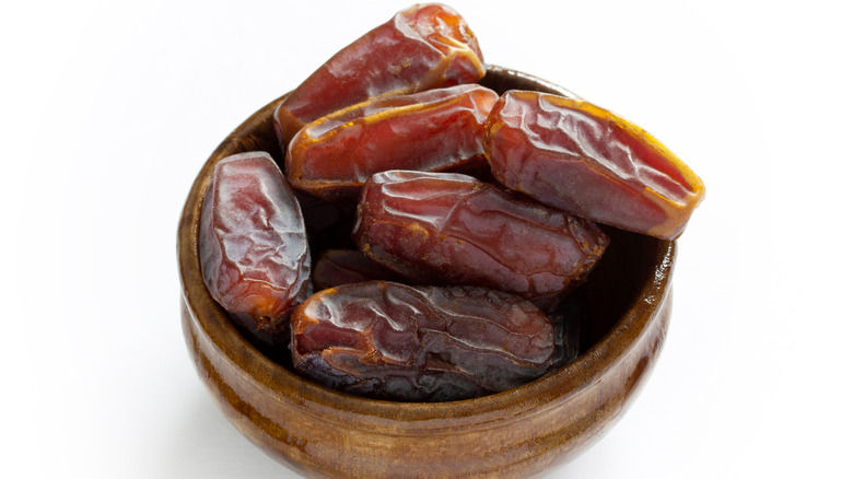 Date fruit in a bowl