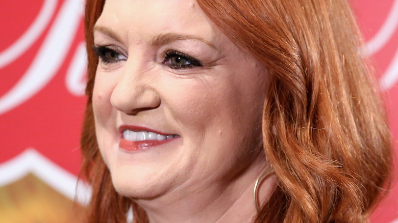 Ree Drummond from the side