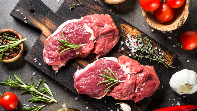 Why it's never safe to eat raw meats