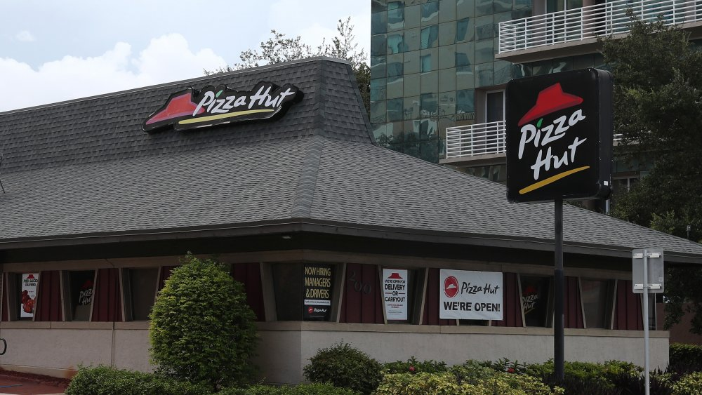 What it's really like to work at pizza hut